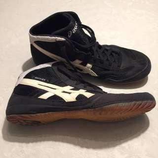 Men's Asics wrestling shoes