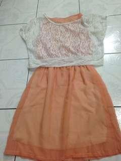 Dress orange brukat