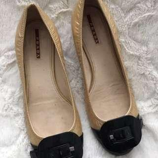 Authentic Prada flats Size 37.5