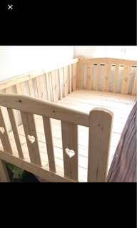 兒童/單人:實木床架連全新床褥
