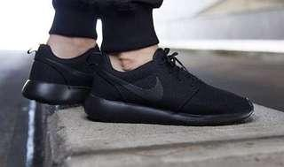 Nike Rosche womens 8