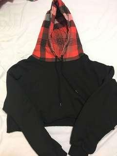 FOREVER 21 BLACK WITH RED HOOD CROPPED SWEATER