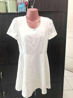 BN Forever 21 Dress ( small)