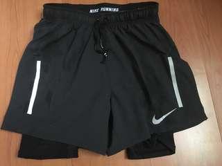 Nike 男子 慢跑 短褲 有內裏 size:s