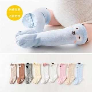🚚 嬰兒秋冬純棉卡通圖案過膝保暖襪子