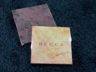 Becca x Chrissy Teigen Glow Face Pallete