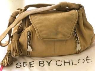 🚚 SEE BY CHLOE 牛皮流梳 可手提肩背二手包 寬38厚15公分高19公分