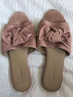 Country Road Pink Bow Slides