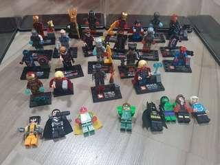 Marvel & DC mini figurines (>30 pcs)