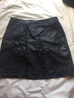 glassons black leather skirt