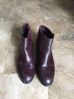 MARKDOWN Item: Pull&Bear Boots