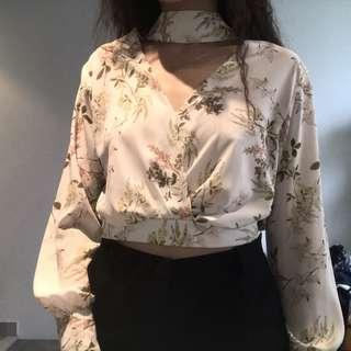 Sheike Choker neck floral top