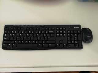 EUC Logitech Wireless Keyboard & Mouse Set