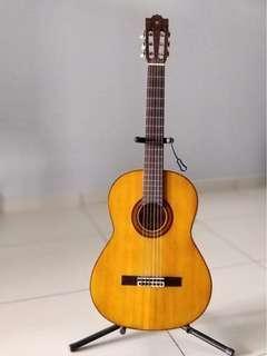 Guitar Yamaha G-225