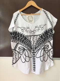 White tee printing fake necklace printing Tshirt oversized  blouse