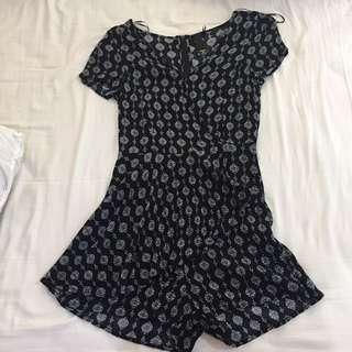 #H&M50 Factorie Bohemian black and white Leaf romper / playsuit