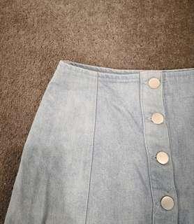 Size 6 women's denim skirt