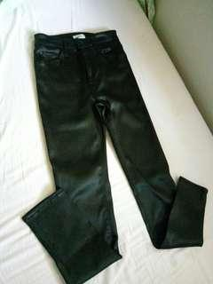 H&M black leather high waisted pants 👖 💓