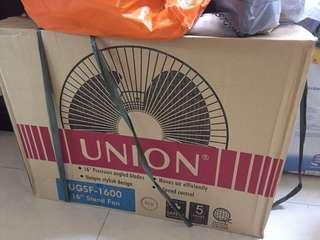 """Union 16"""" stand fan"""