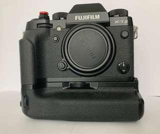 Fujifilm XT-2 with vpb-tx2 battery grip and 3 batteries