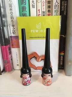 2支YANQINA娃娃眼線筆液 日本超萌開運娃娃 防水硬頭不暈染彩妝-包郵