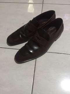 Hush puppies dress shoes brown colour