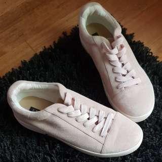 Skin Footwear Pink Runners