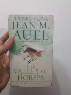 Books for sale! Jean M. Auel The Valley of the Horses
