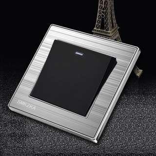 開關插座13a英式電制開關多孔插座面板家用金屬拉絲銀黑