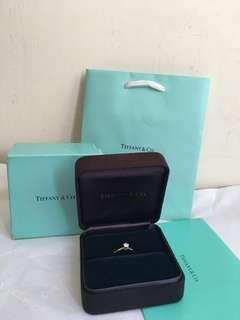 Tiffany&Co. PT950圓型六爪0.24克拉鑽石戒指
