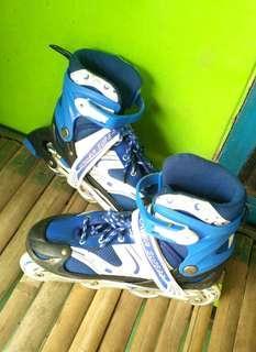 Sepatu roda anak pakai 1x (LIKE NEW)