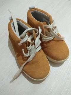 Zara 休閒鞋