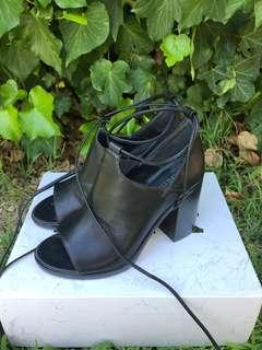 Lipstik black chunky tie up heels boots size 6.5