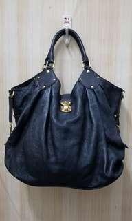 LOUIS VUITTON mahina xxl bag