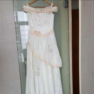 Off White Gown long party dress size M