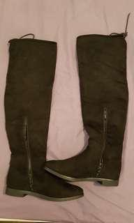 Truffle Collection long over knee black suede boots sz 38/5 vgc