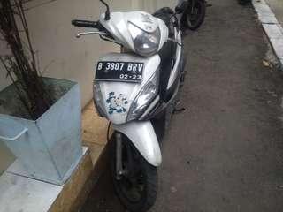 Di jual motor spacy Helm In AT 2013 pajak hidup STNK + BPKB ada Nego Tipis .Kondisi yg di foto mesin masih Oke Service rutin