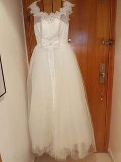減價~全新白婚紗連全新裙撐 • Brand New White Wedding Dress