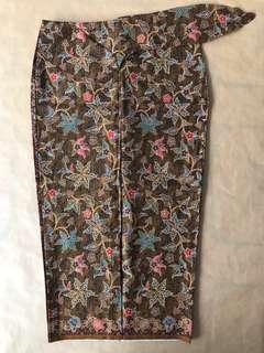 (S) Traditional Chinoiserie Purple floral 3/4 batik skirt