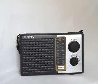 Vintage SONY Portable AM FM Transistor Radio