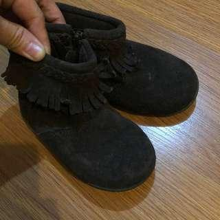 Boots (dark brown)
