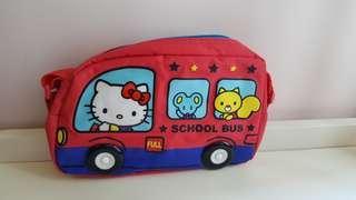 Hello Kitty 校巴鈄揹袋