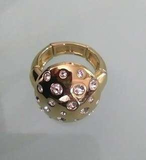 COCKTAIL STRETCH RING WITH STONES