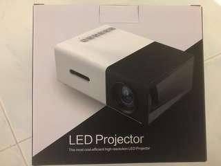 Brand New Projector for Sale