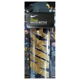 全新 NIKE 新款 運動 水壺 吸管 NIKE HYPERCHARGE Straw Water Bottle 24Oz 709ml, Black