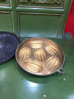Vintage Brass Kueh Mould