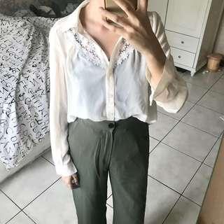 White Shirt with Brokat