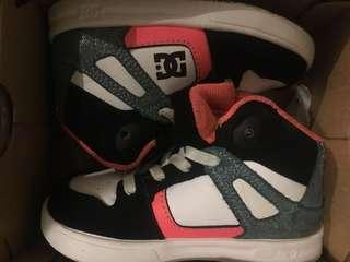 DC Rebound Toddlers Size 7