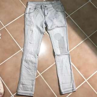 🚚 淺灰色牛仔褲M號