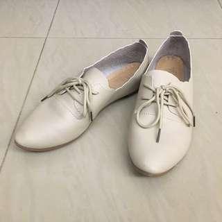 女裝 網米白色平底鞋 39號